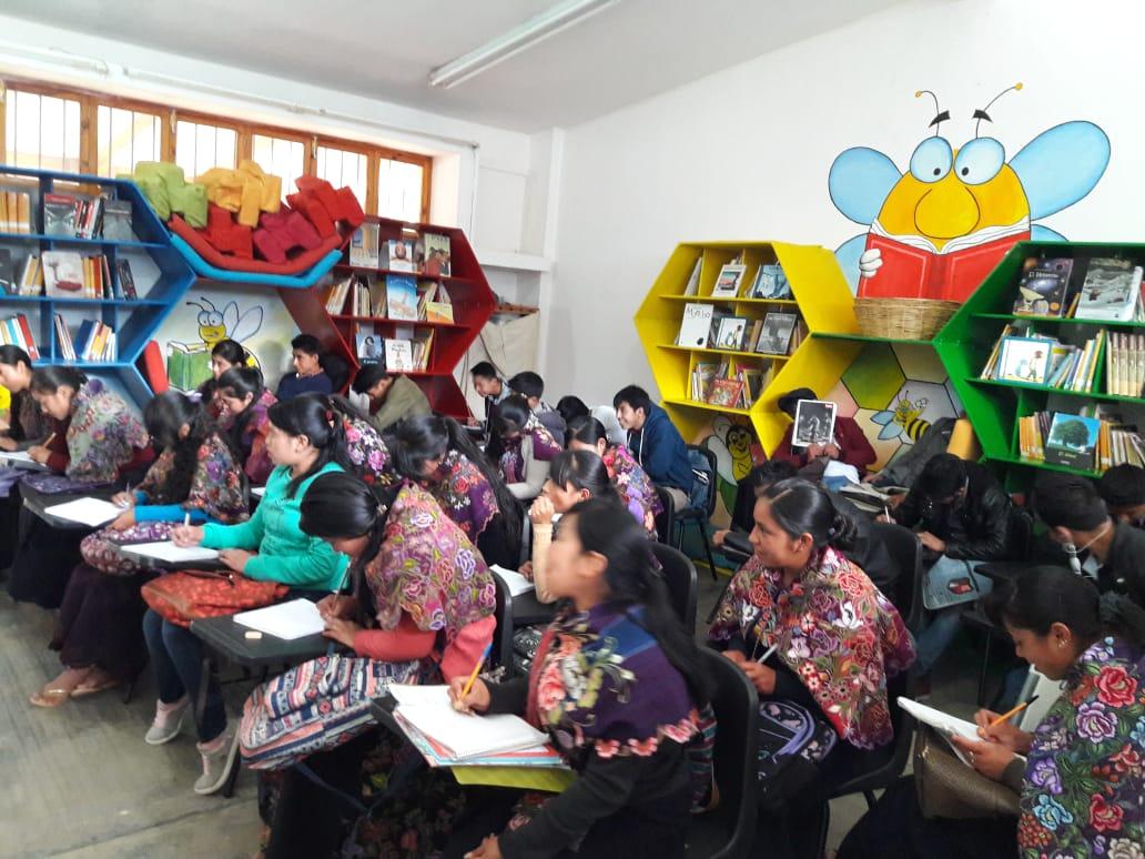 Reanudan los talleres permanentes en la Casa de la Cultura de Zinacantán